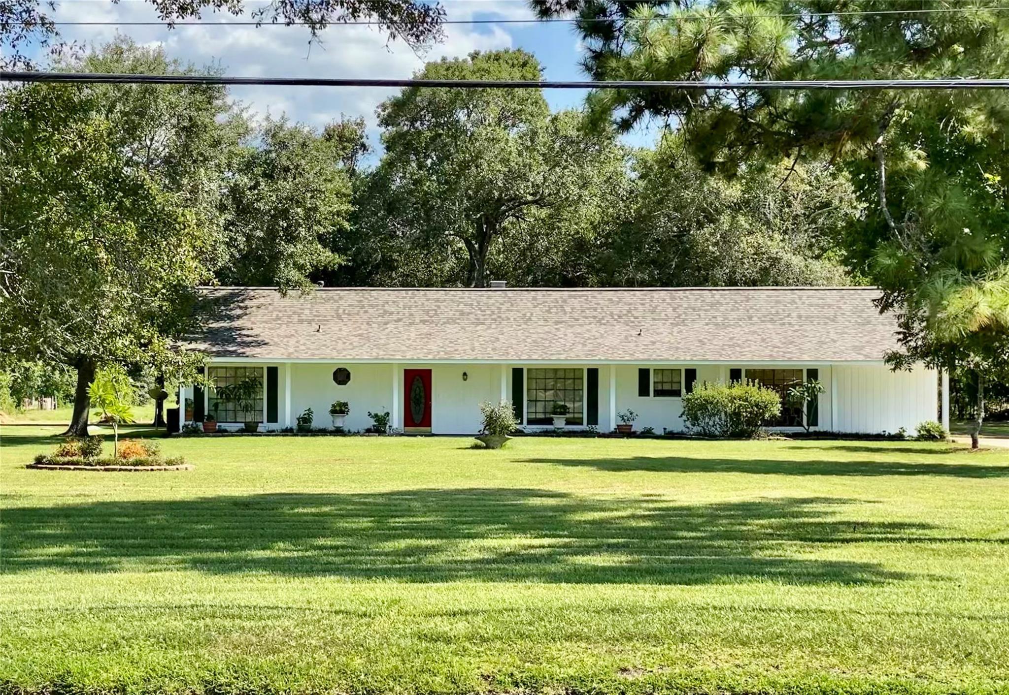 3208 Fox Drive Property Photo - Baytown, TX real estate listing
