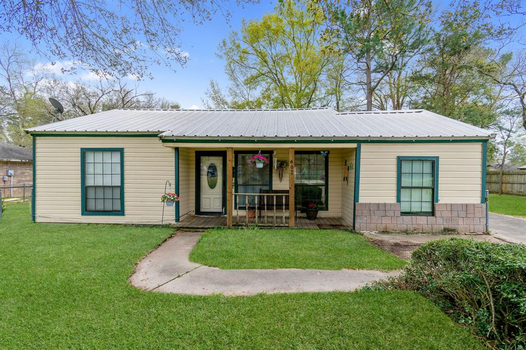 607 Booker Street Property Photo - Diboll, TX real estate listing