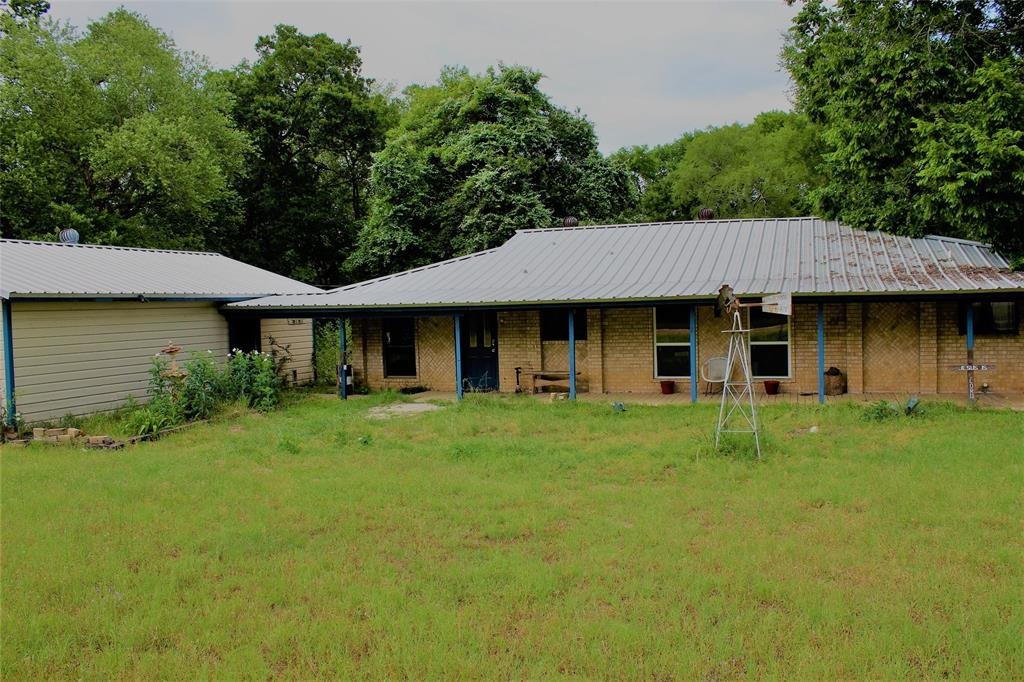 423 Sycamore Drive Property Photo - Hilltop Lakes, TX real estate listing