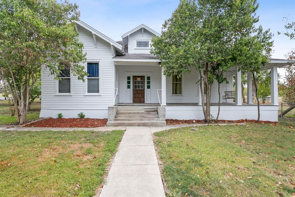 110 West Avenue Property Photo - Schulenburg, TX real estate listing