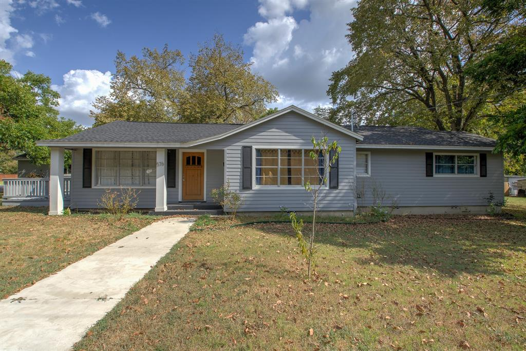 576 Walnut Street Property Photo
