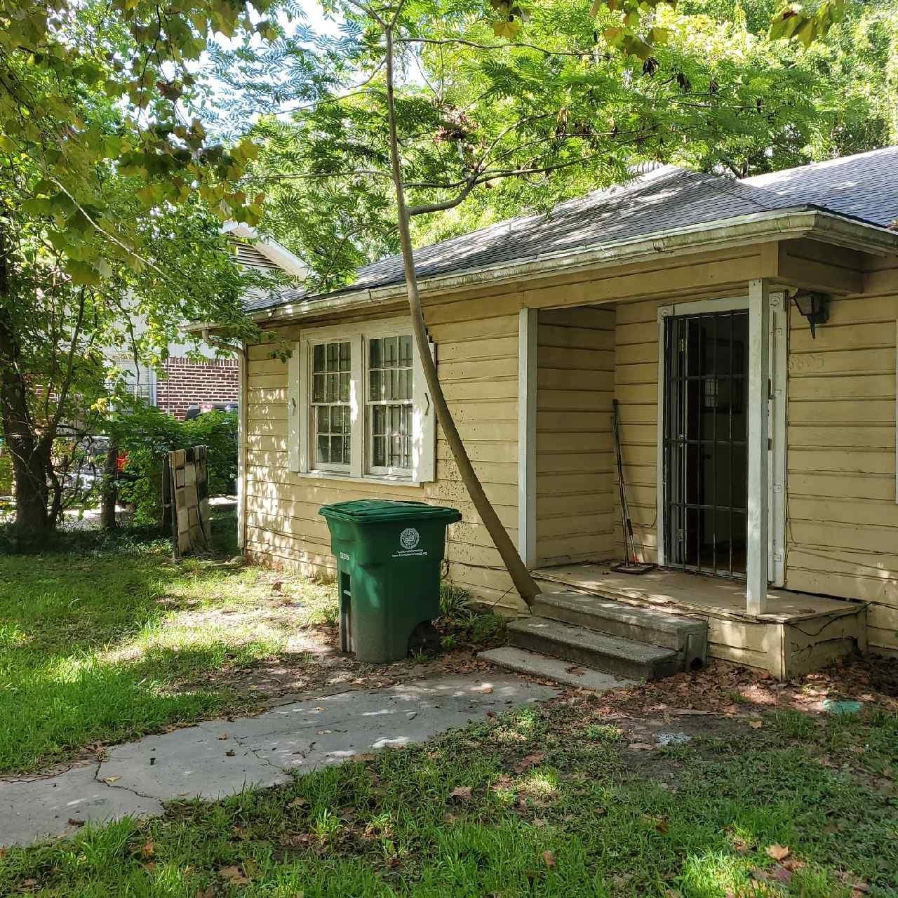 8805 Lomax Street Property Photo