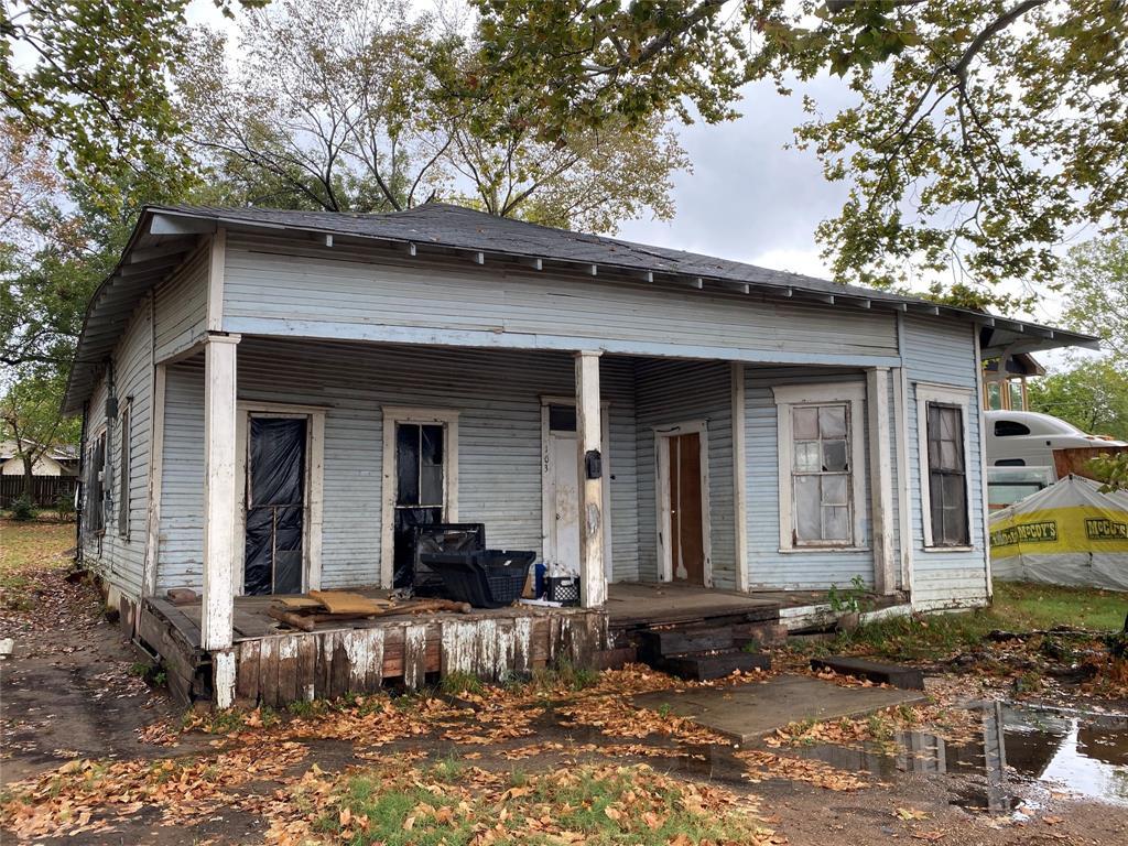 103 N San Gabriel Street Property Photo - Hearne, TX real estate listing