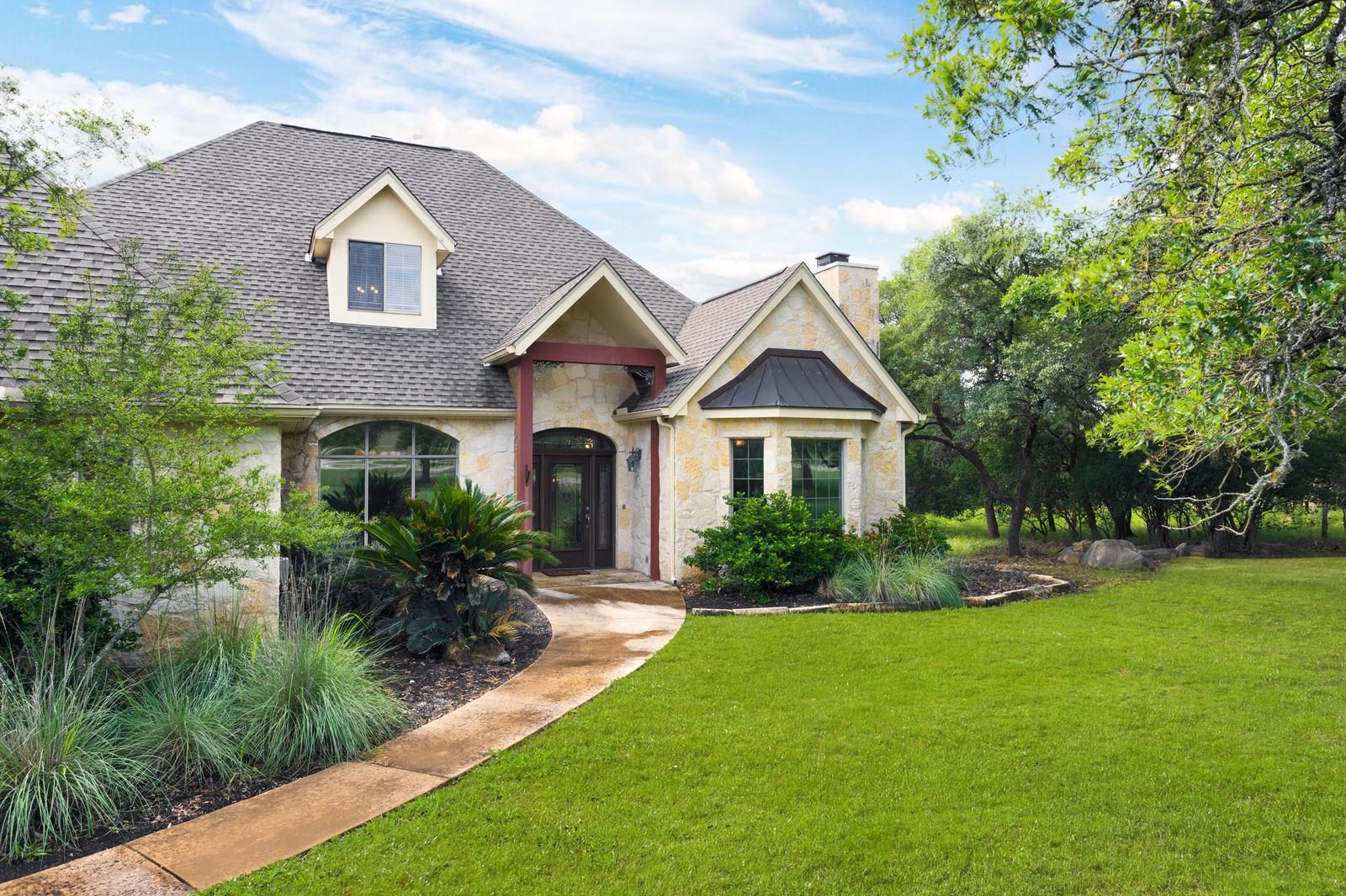 1147 Waterstone Pkwy Property Photo - Boerne, TX real estate listing