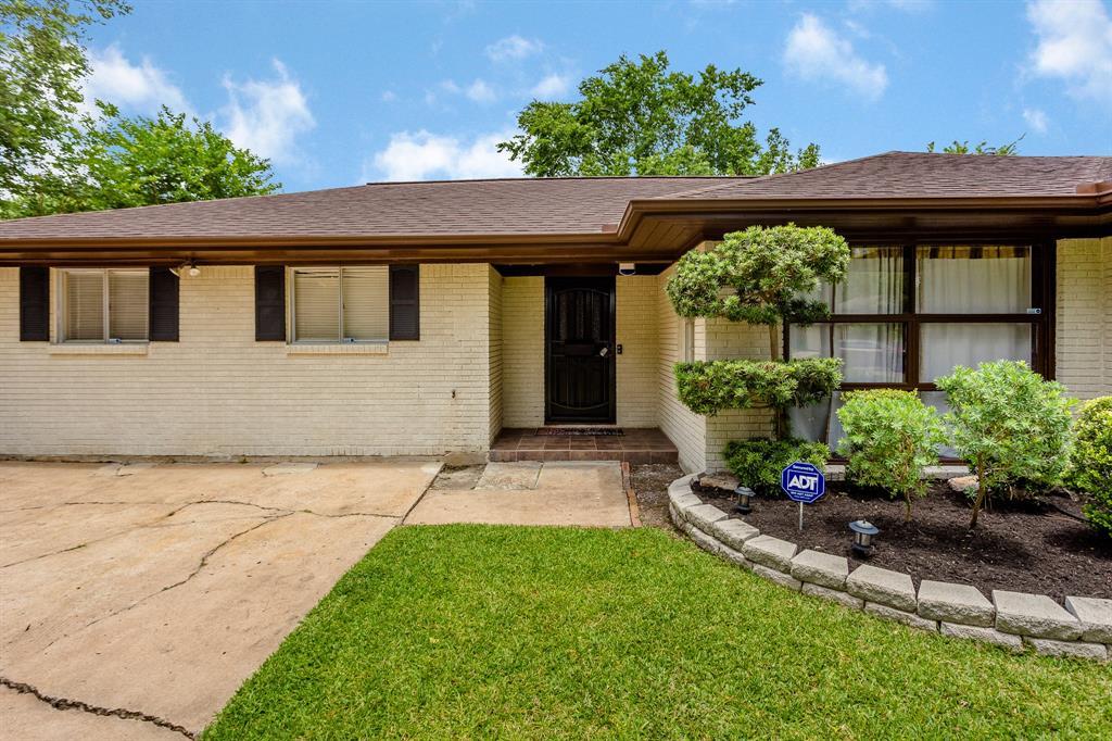 2021 Leroy Drive Property Photo - Pasadena, TX real estate listing
