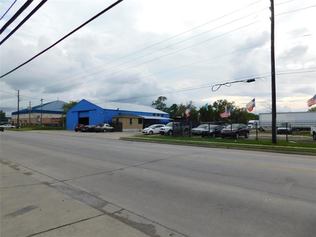 9107 Mesa Drive, Houston, TX 77028 - Houston, TX real estate listing