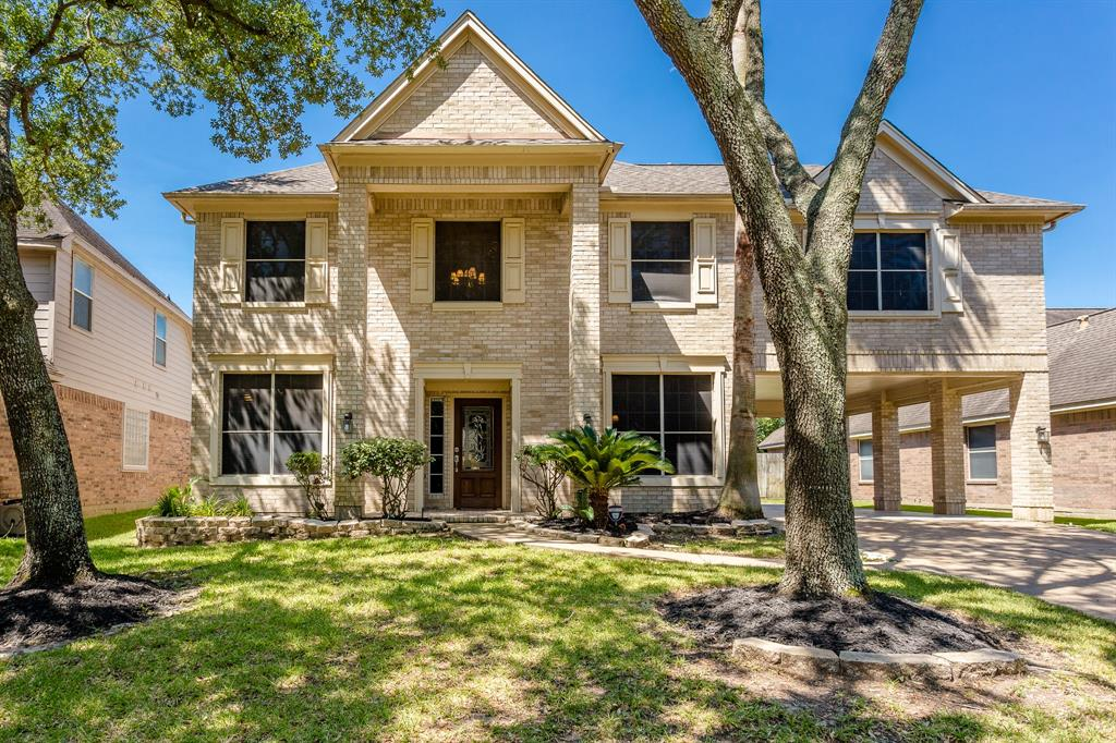 9511 Willow Crossing Drive Property Photo - Houston, TX real estate listing