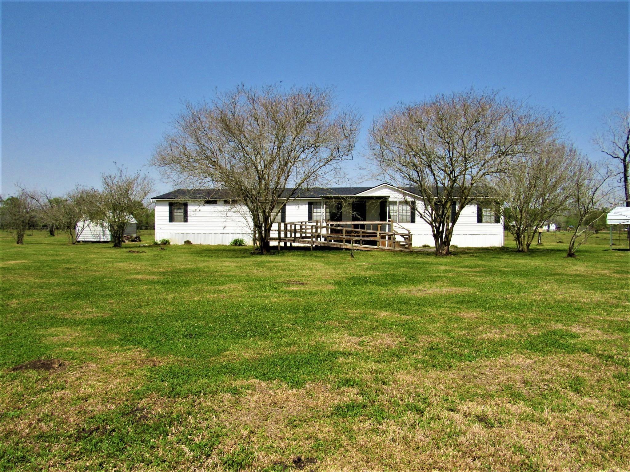 11835 Rychlik Lane Property Photo - Boling, TX real estate listing