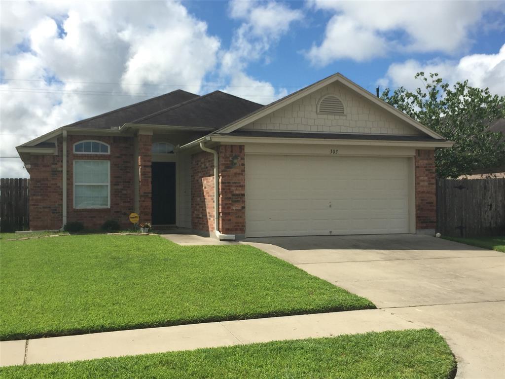 303 Sequoia Drive Property Photo - Victoria, TX real estate listing