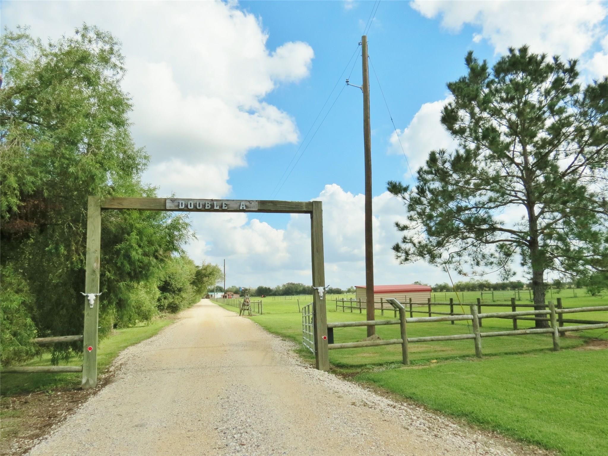 17343 June Bug Trail Property Photo - Hamshire, TX real estate listing