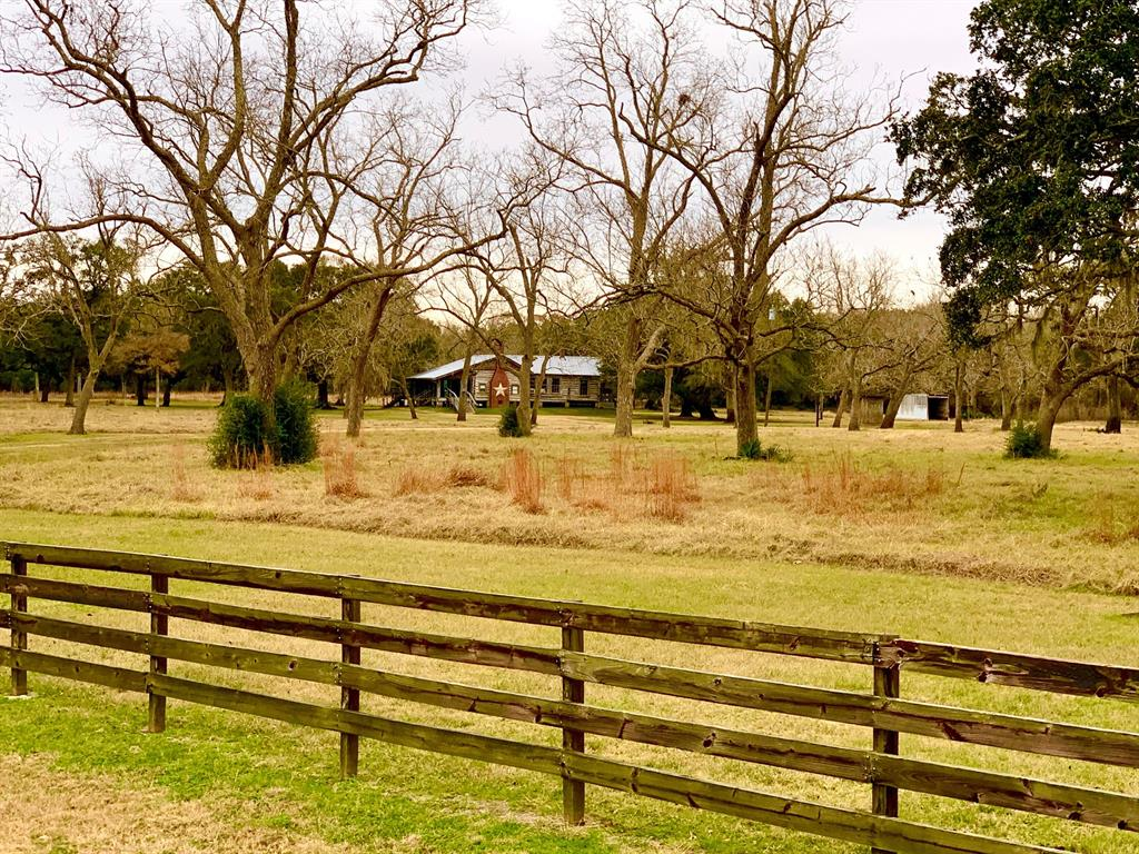 19950 Cow Creek Road, Damon, TX 77430 - Damon, TX real estate listing