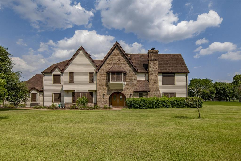 5225 W Zephyr Drive Property Photo - Alvin, TX real estate listing