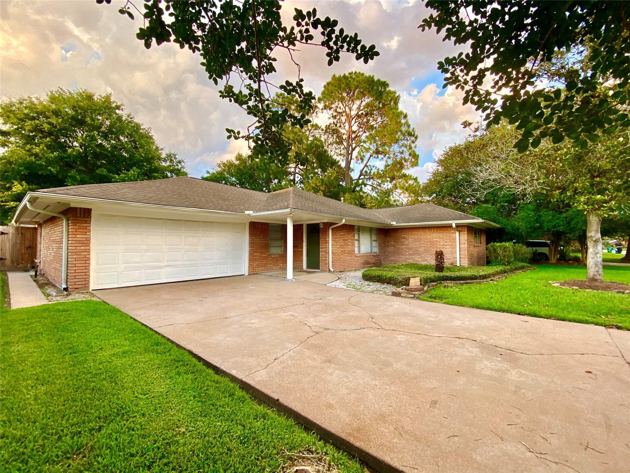 4602 Creekbend Drive Property Photo
