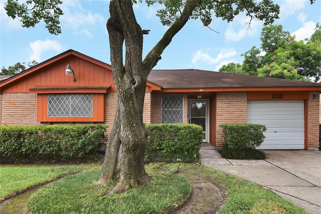 6518 Standing Oaks Street Property Photo - Houston, TX real estate listing