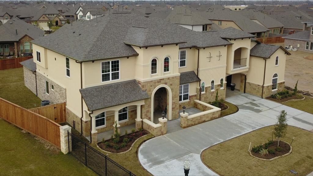 11107 E Elm Creek Falls Court, Cypress, TX 77433 - Cypress, TX real estate listing