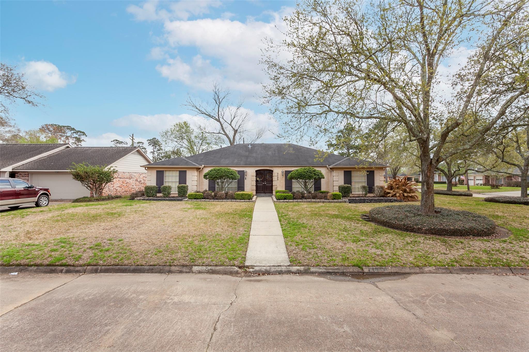 4895 Garwood Lane Property Photo