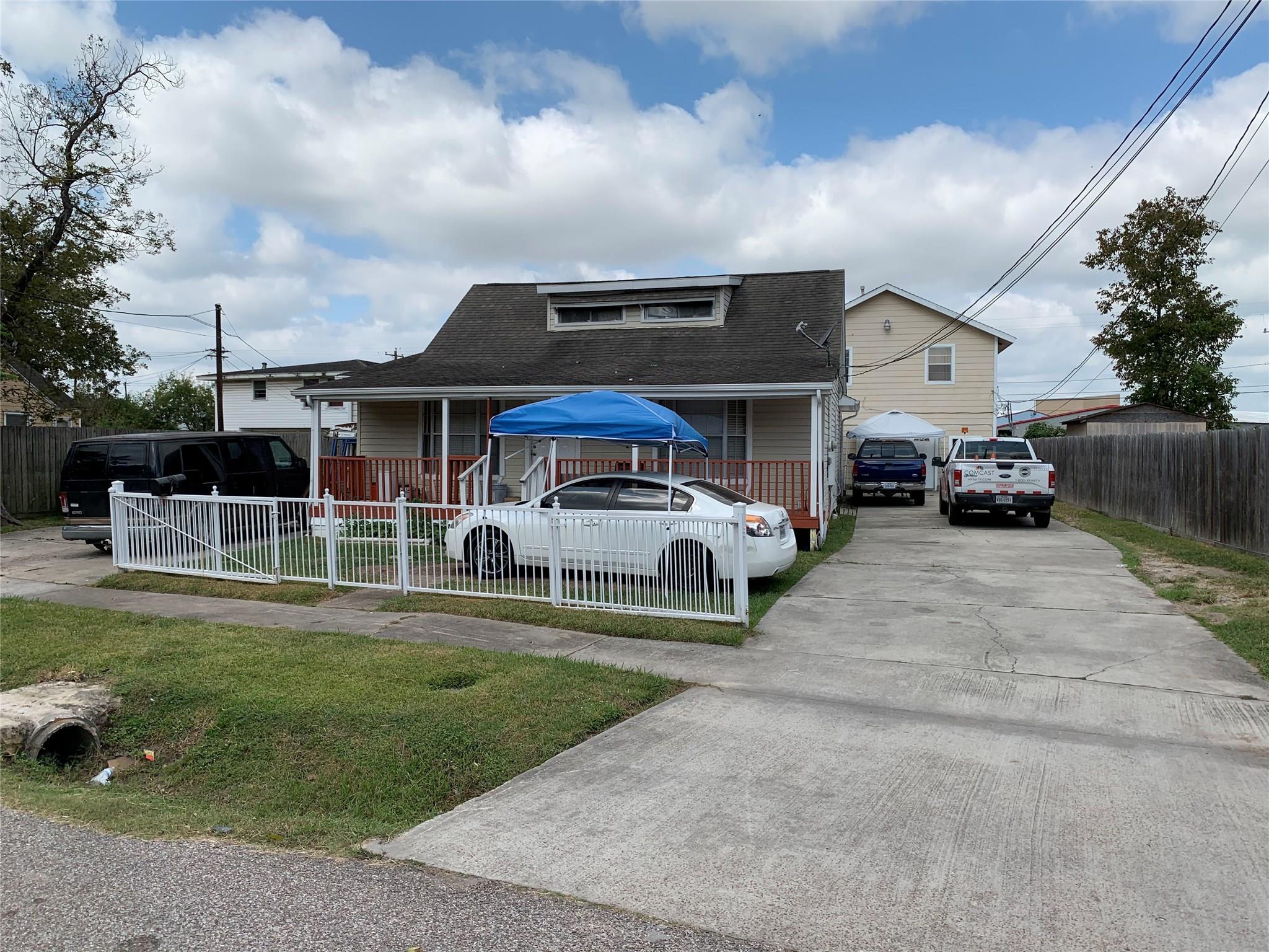 7139 Myrtle Street Property Photo - Houston, TX real estate listing