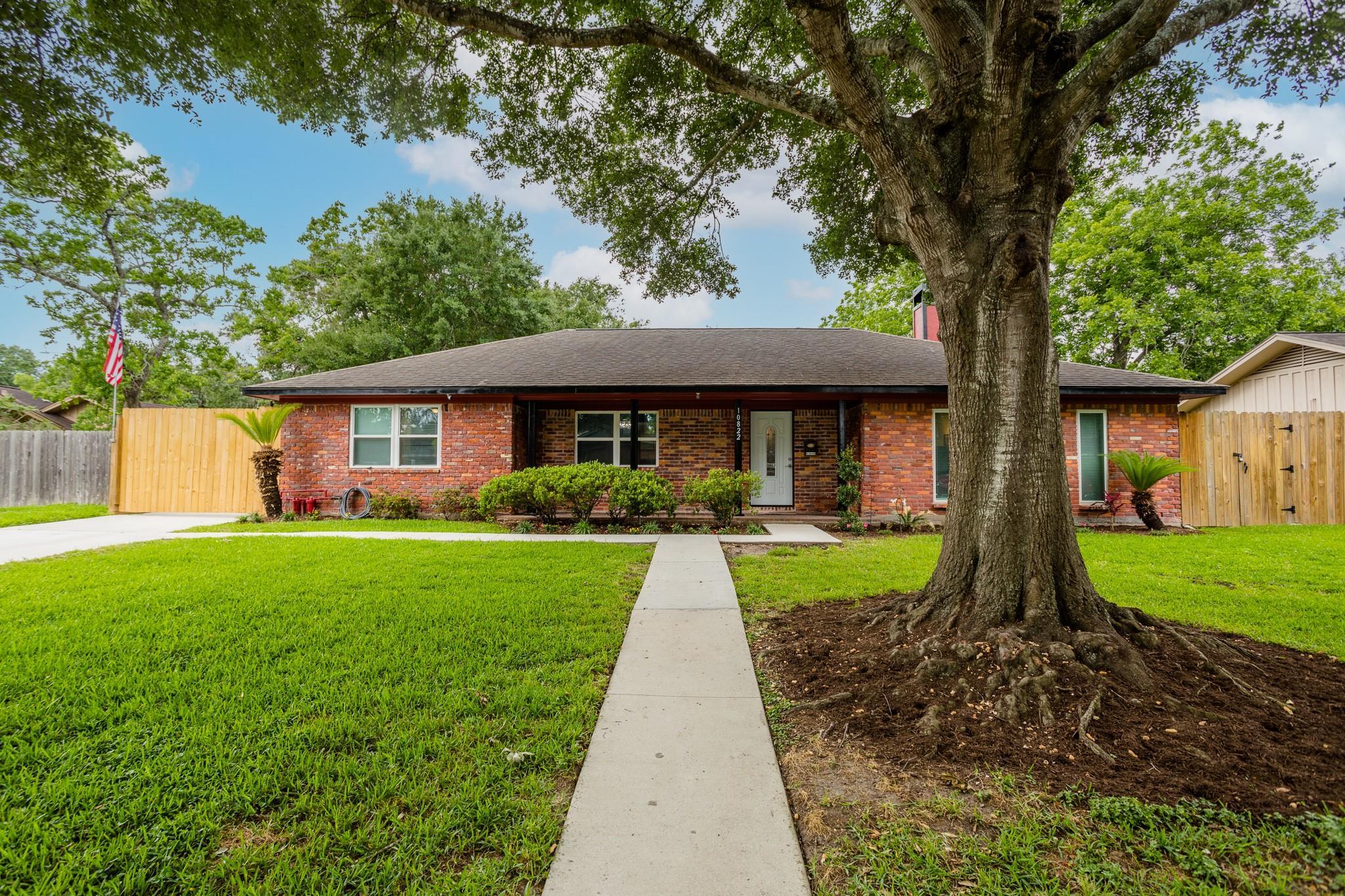 10822 Oasis Drive Property Photo 1