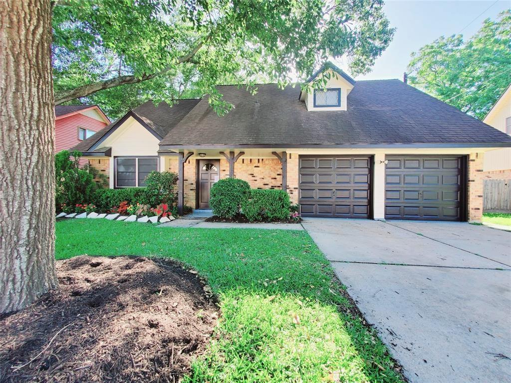 1902 S Fisher Court Property Photo - Pasadena, TX real estate listing