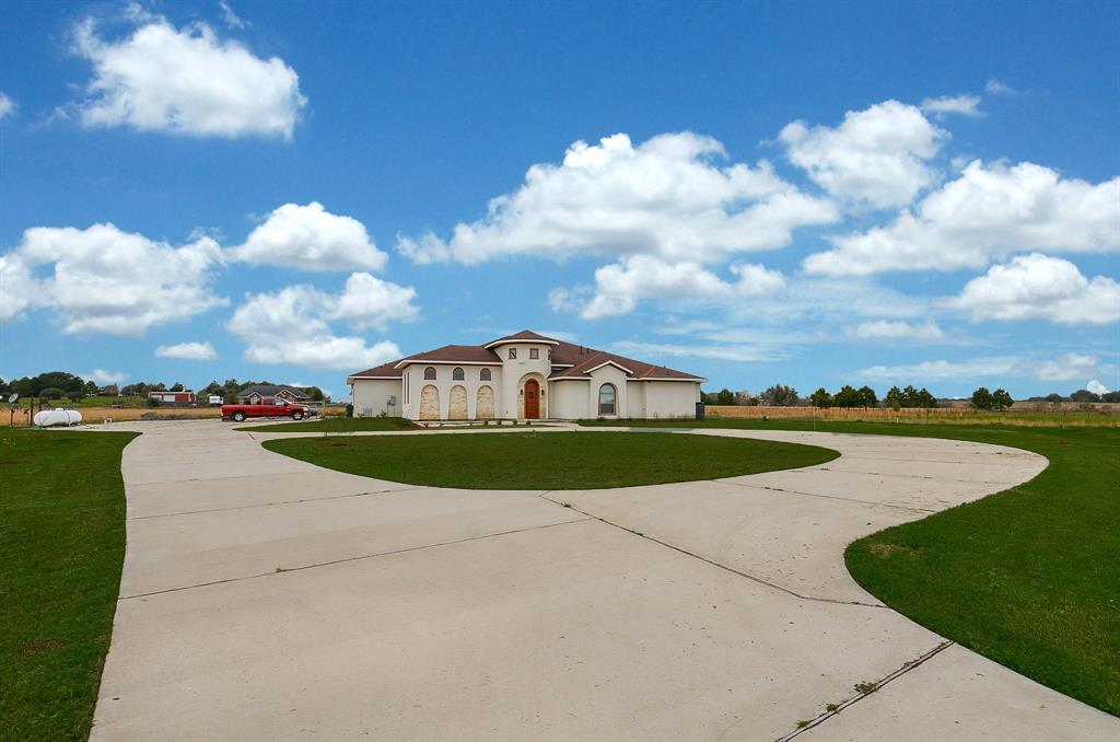 825 grubbs, Sealy, TX 77474 - Sealy, TX real estate listing