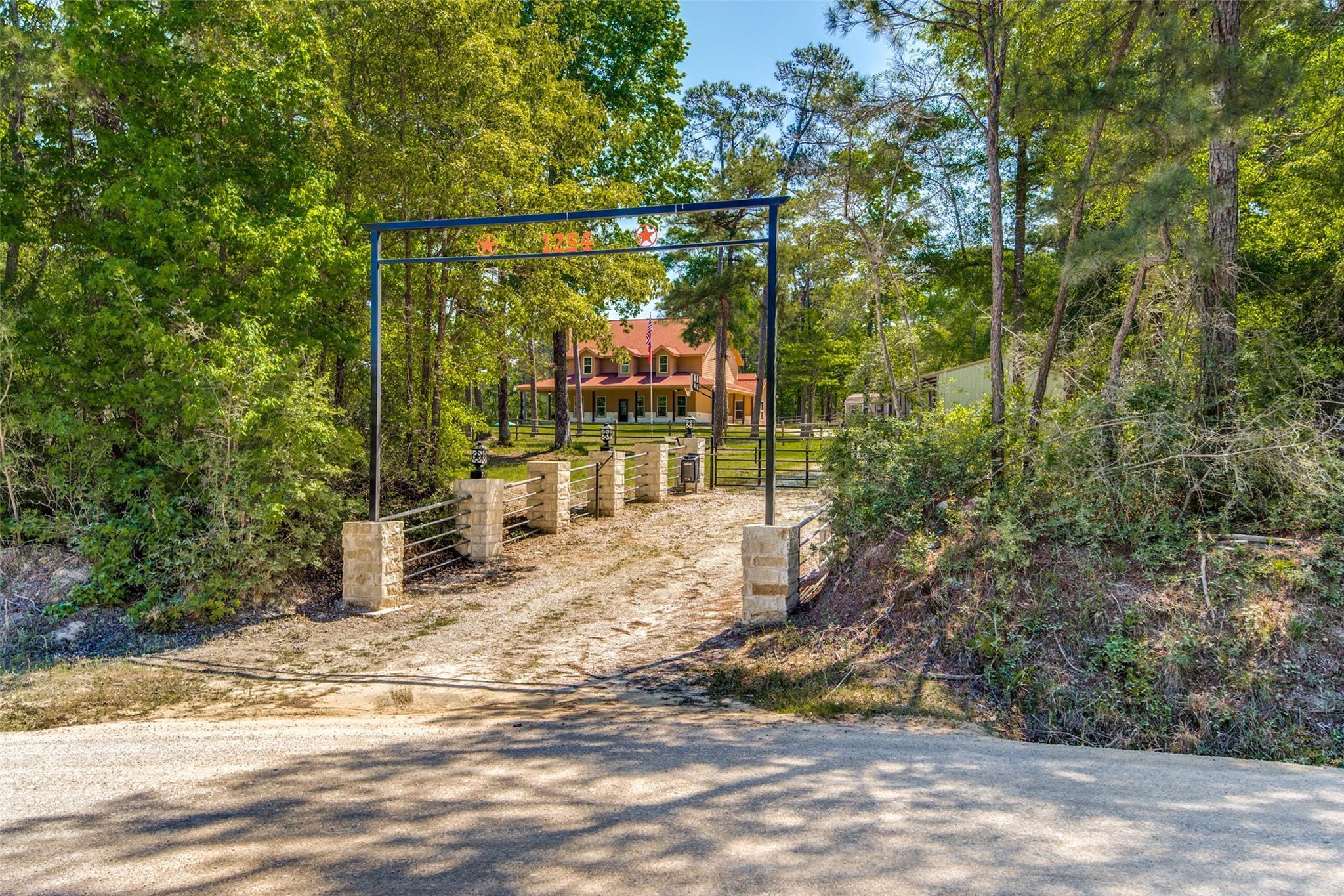 1254 Rocky Creek Road Property Photo - Livingston, TX real estate listing