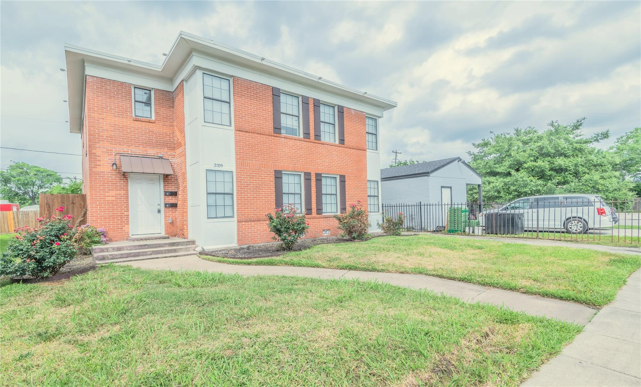2319 Rosewood Street #a Property Photo