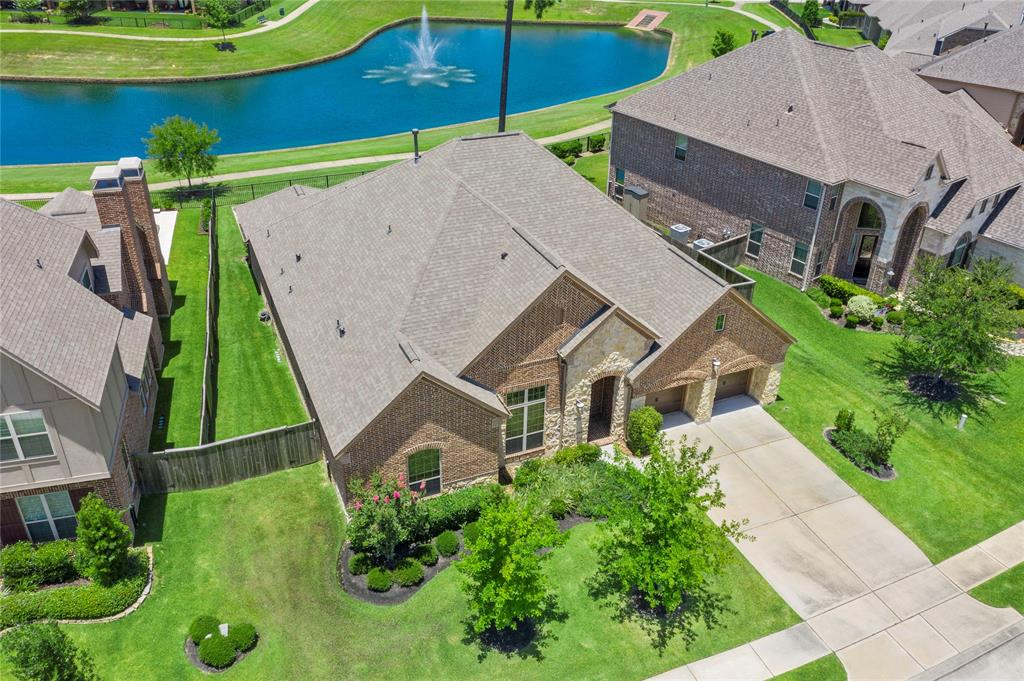 2610 Alan Lake Lane Property Photo - Spring, TX real estate listing