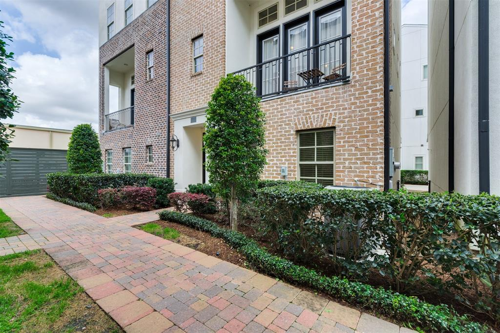 9624 Fannin Station W Property Photo - Houston, TX real estate listing