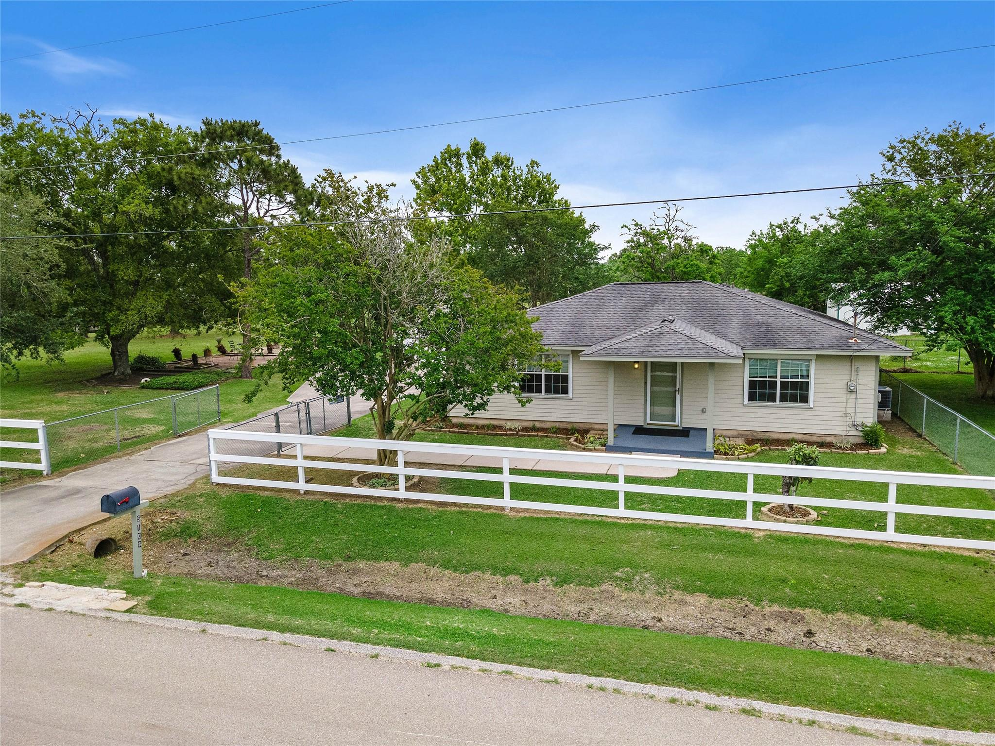 5108 Fleming Street Property Photo - La Marque, TX real estate listing