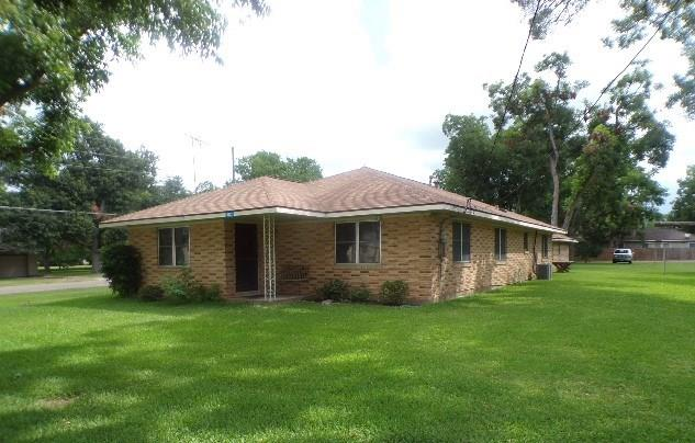 6822 Church Street Property Photo - Wallis, TX real estate listing