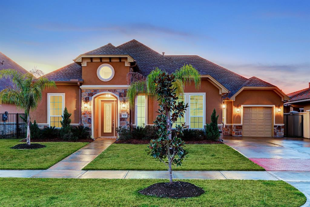 628 Appia Drive Property Photo - Kemah, TX real estate listing
