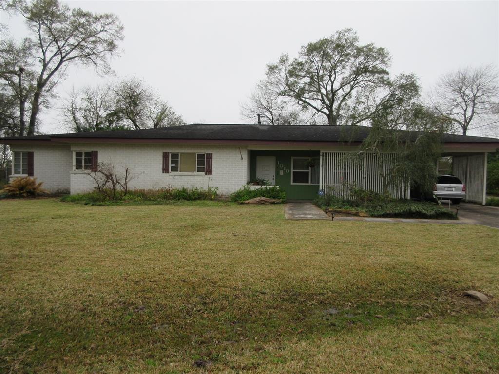 1010 Lakeside Drive, Highlands, TX 77562 - Highlands, TX real estate listing