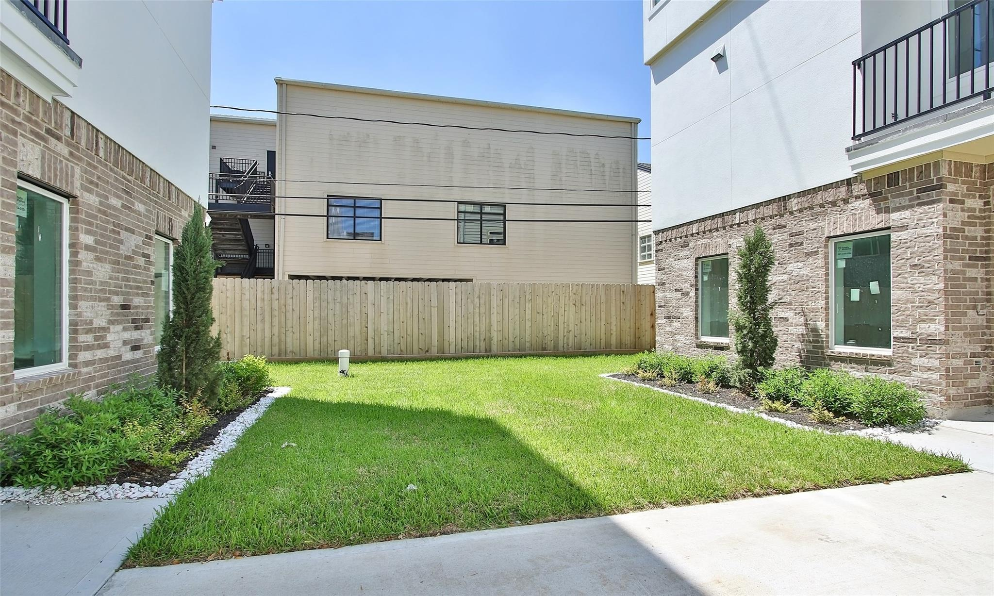 5903 Val Verde Street #D Property Photo - Houston, TX real estate listing