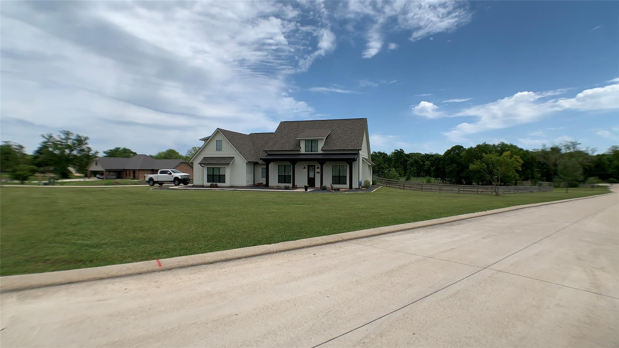 1711 Valley View Drive Property Photo - Anderson, TX real estate listing