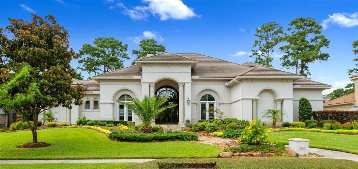 8 Golf Links Court Property Photo