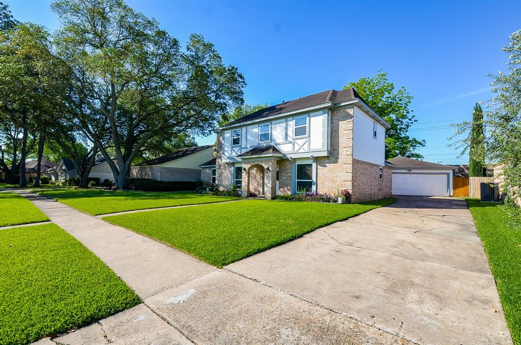 12110 Manorgate Drive Property Photo - Houston, TX real estate listing