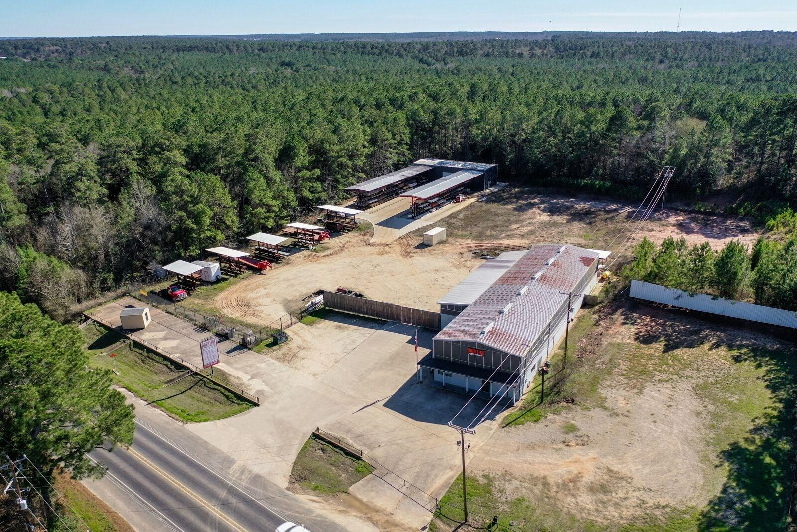 936 Highway 190 E Property Photo - Huntsville, TX real estate listing