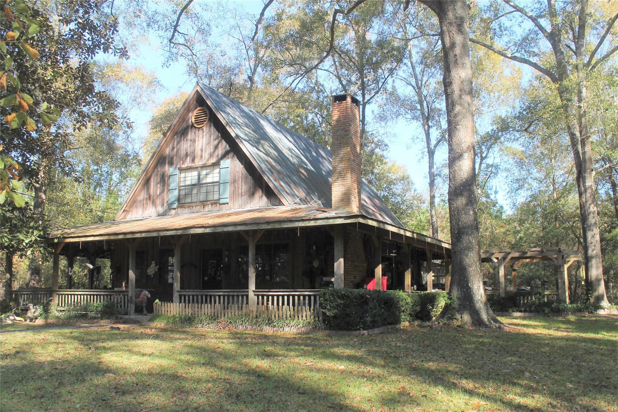 549 Cr 1920 Property Photo