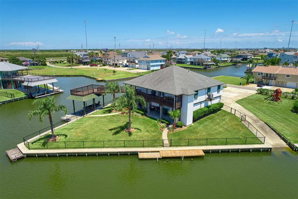 1 Redwing Street Property Photo - La Marque, TX real estate listing