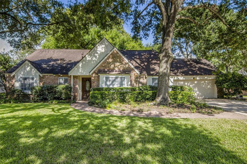 207 Bayou View Drive, El Lago, TX 77586 - El Lago, TX real estate listing