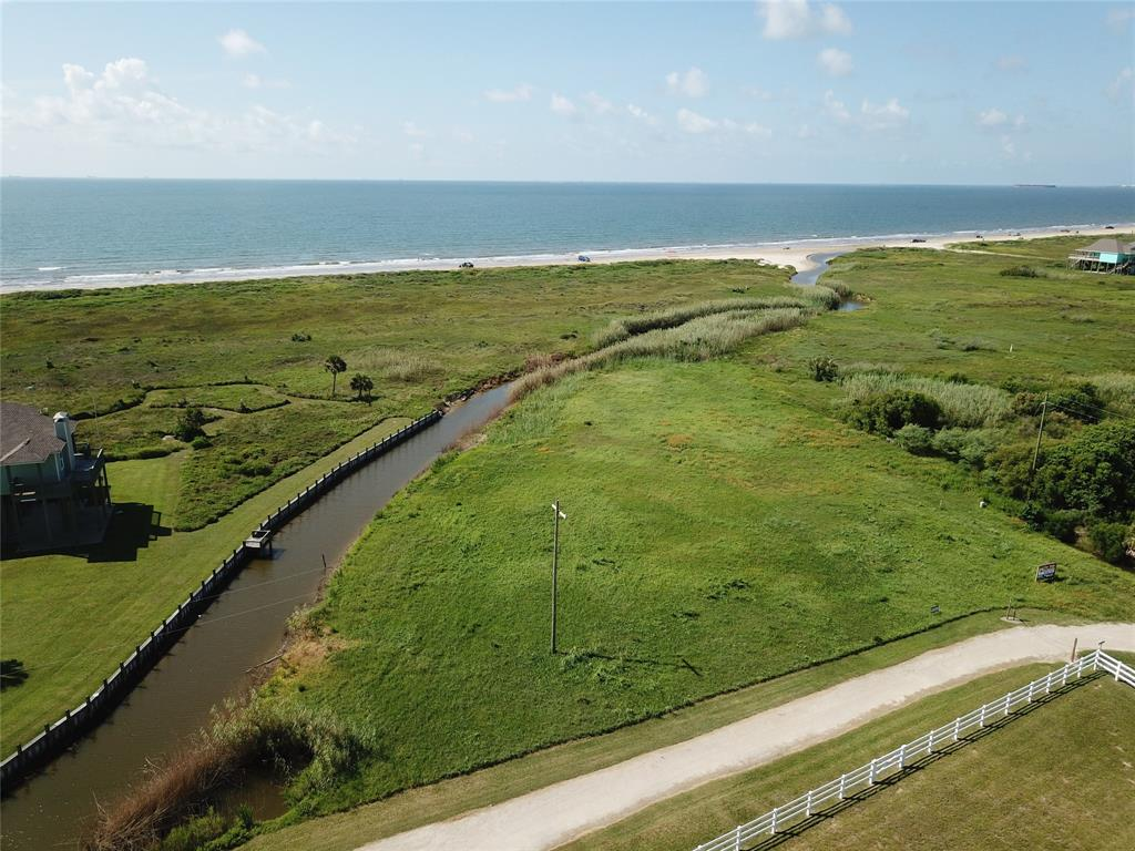 801 4th Avenue Property Photo - Port Bolivar, TX real estate listing