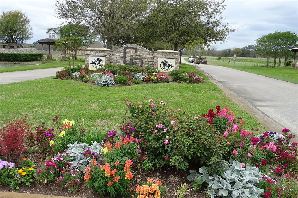 1210 County Road 34 Property Photo - Angleton, TX real estate listing