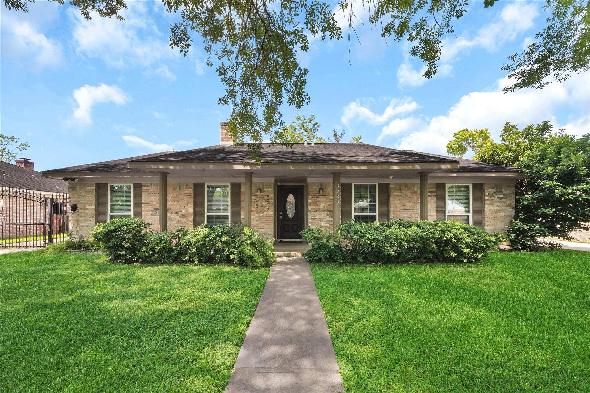 9230 Rowan Lane Property Photo - Houston, TX real estate listing