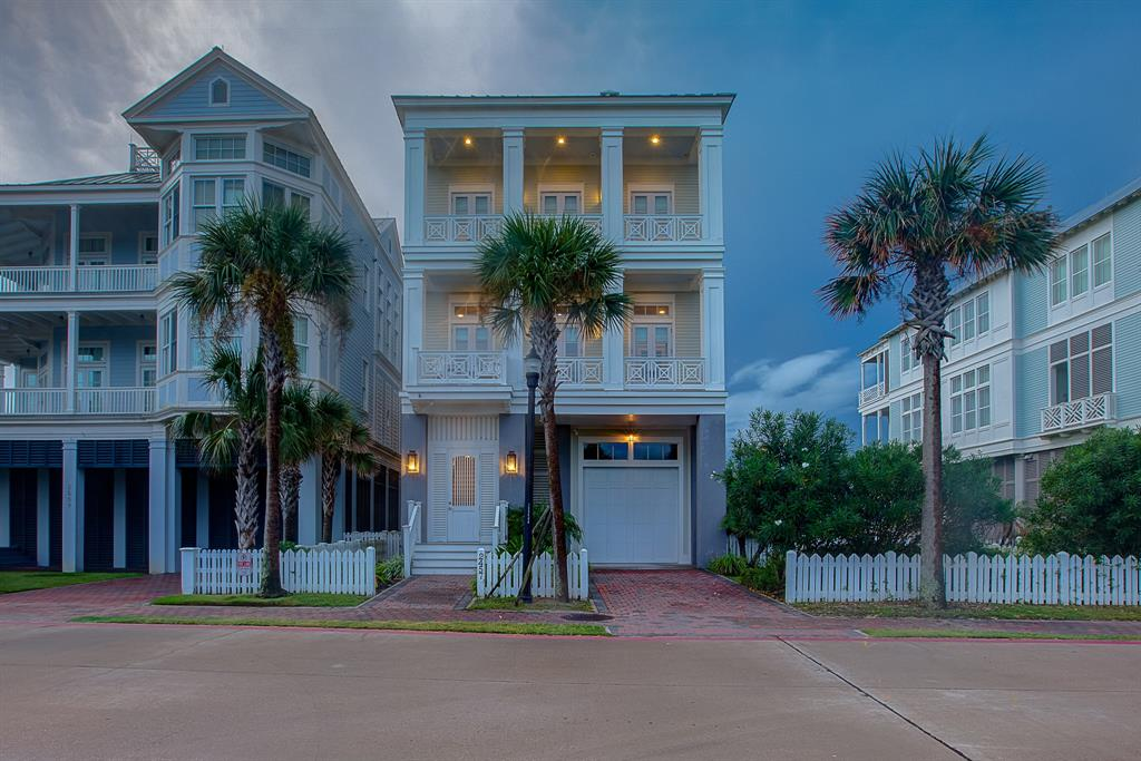2457 East Seaside Drive, Galveston, TX 77550 - Galveston, TX real estate listing