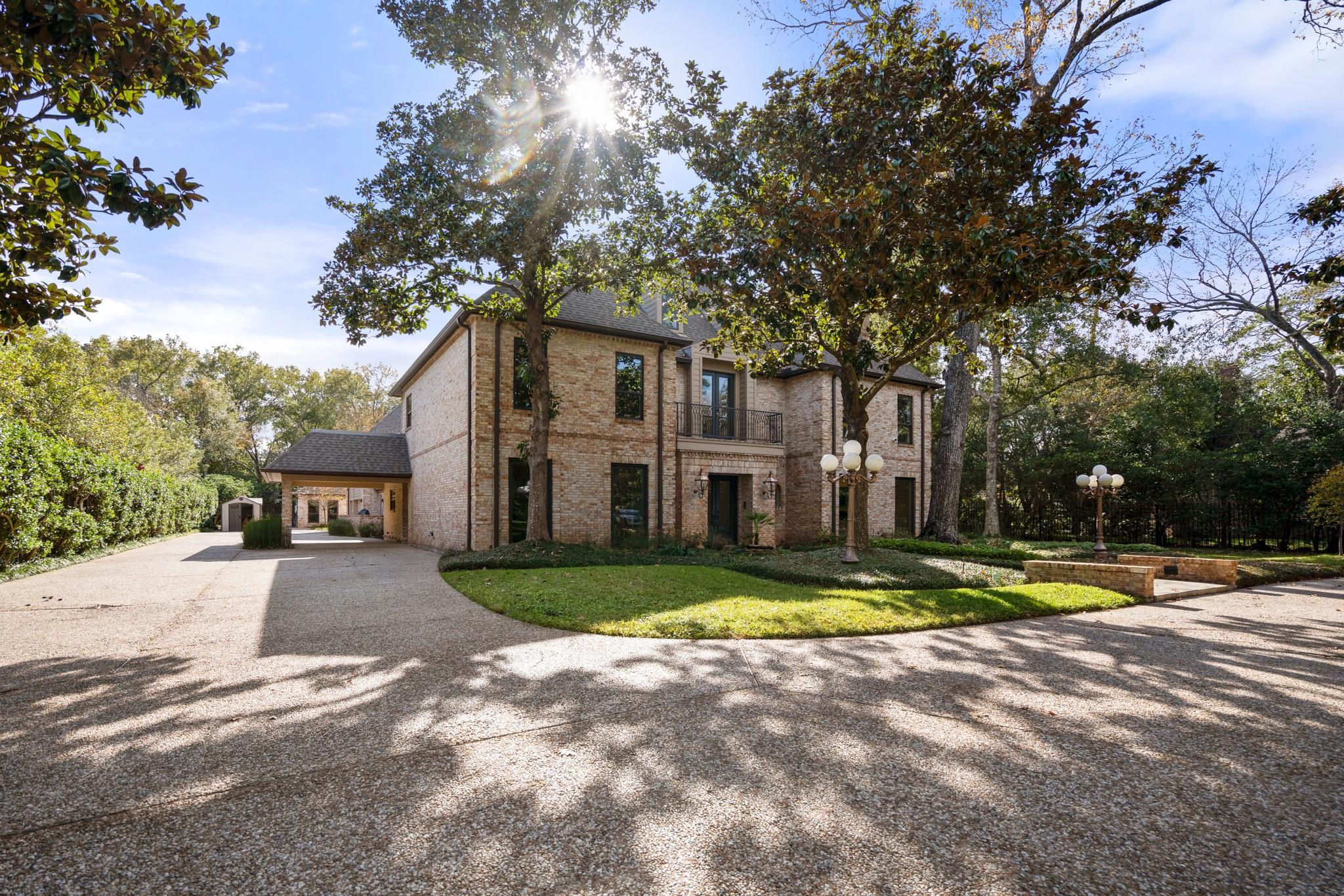 11611 Arrowwood Circle Property Photo - Piney Point Village, TX real estate listing