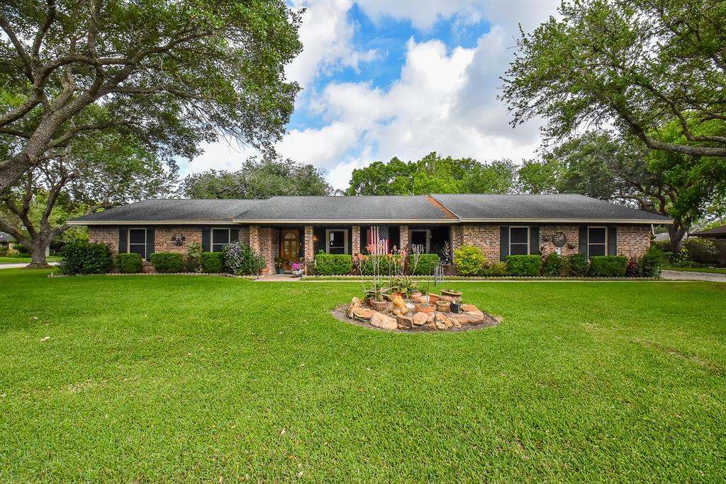 3403 Glen Haven Drive, Bay City, TX 77414 - Bay City, TX real estate listing