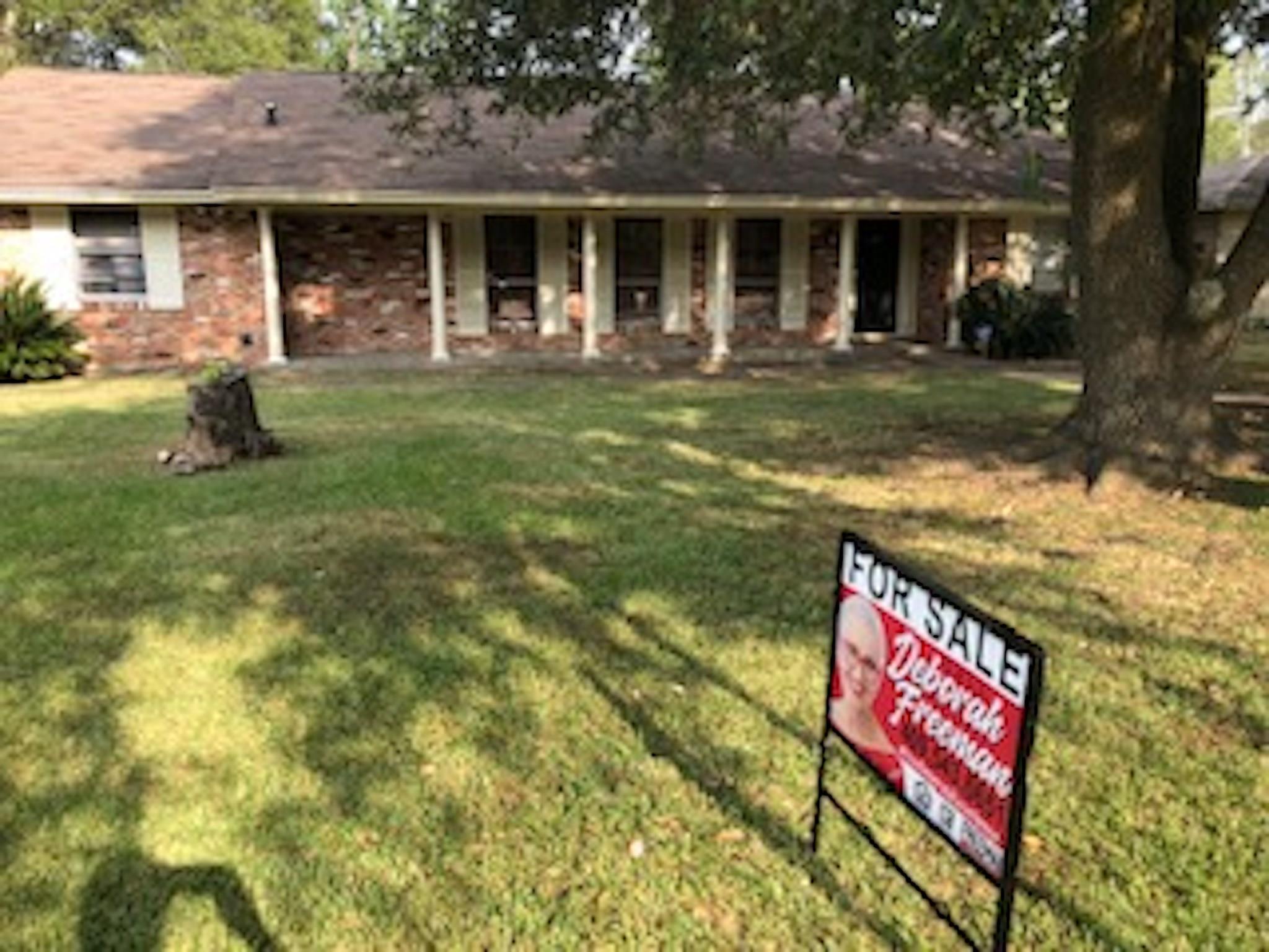 285 E Caldwood Drive Property Photo - Beaumont, TX real estate listing