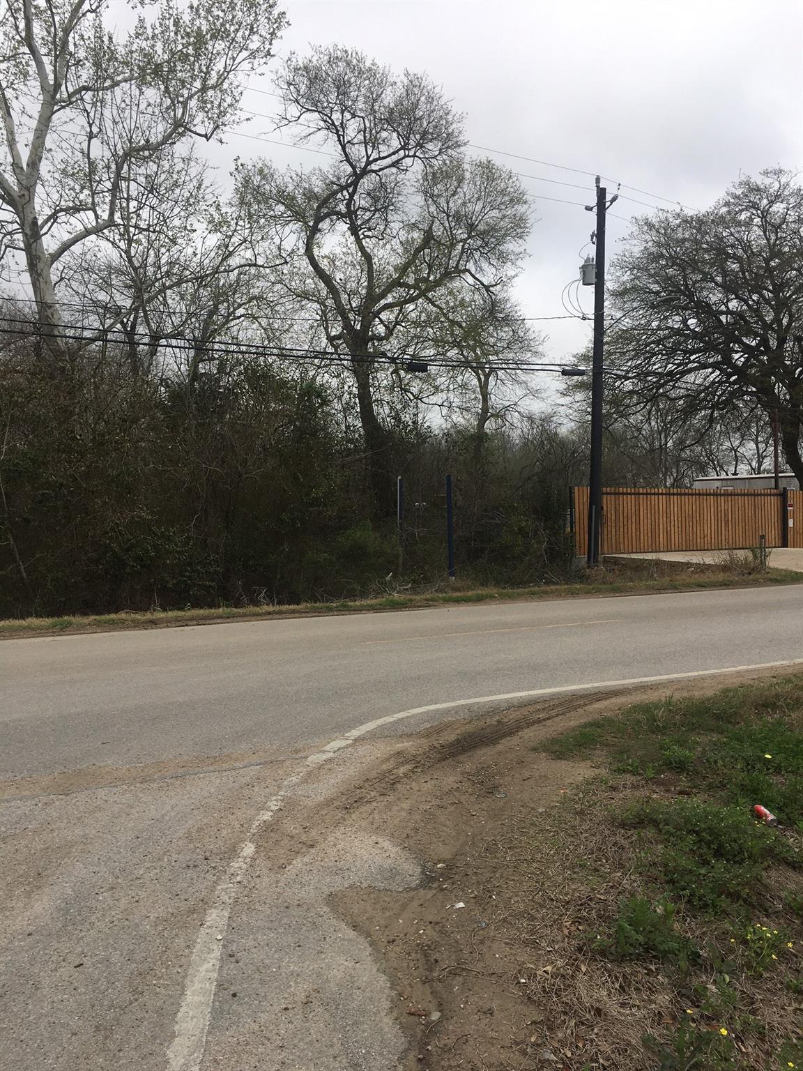 4401 Schurmier Road Property Photo