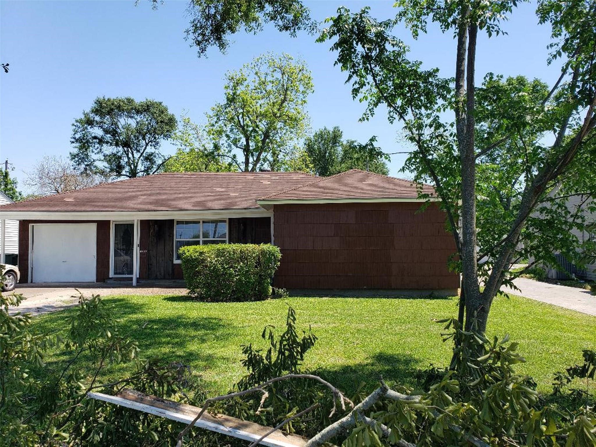 4630 7th Street Property Photo