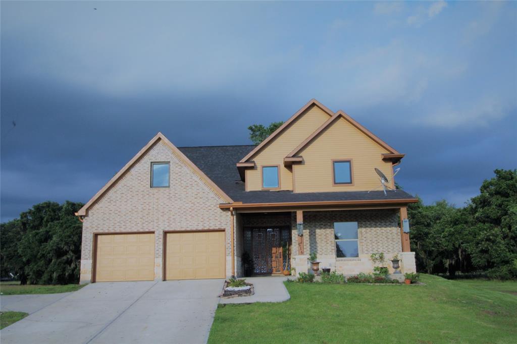 215 Pony Trail, Angleton, TX 77515 - Angleton, TX real estate listing